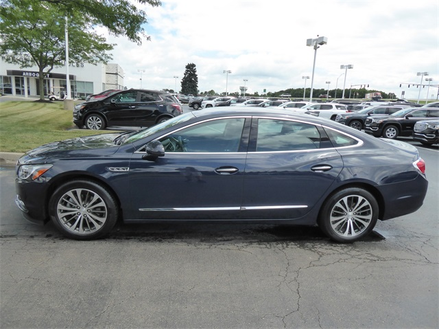 Certified Pre-Owned 2017 Buick LaCrosse Essence