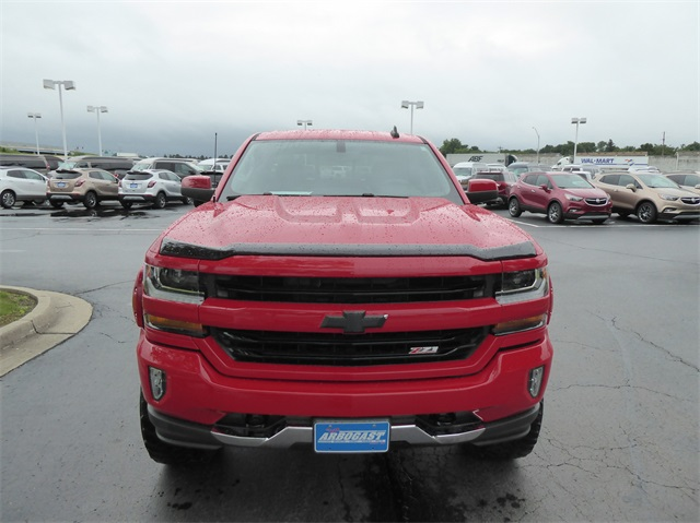 Pre-Owned 2017 Chevrolet Silverado 1500 LT2 Lifted Truck