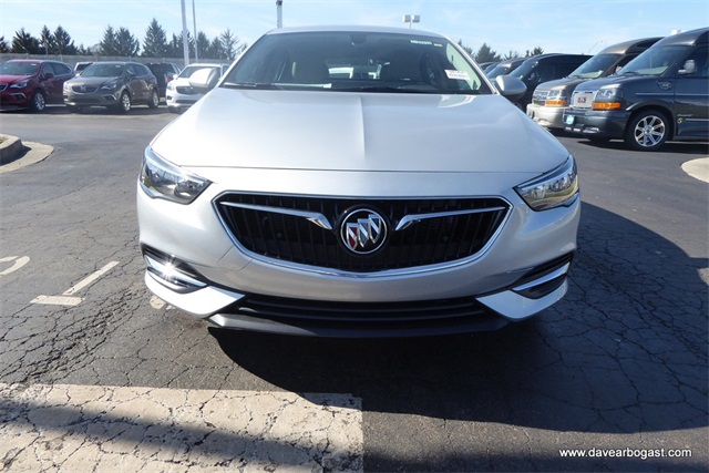 New 2018 Buick Regal Sportback