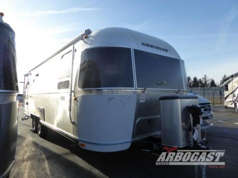 New 2020 Airstream RV Flying Cloud 27FB